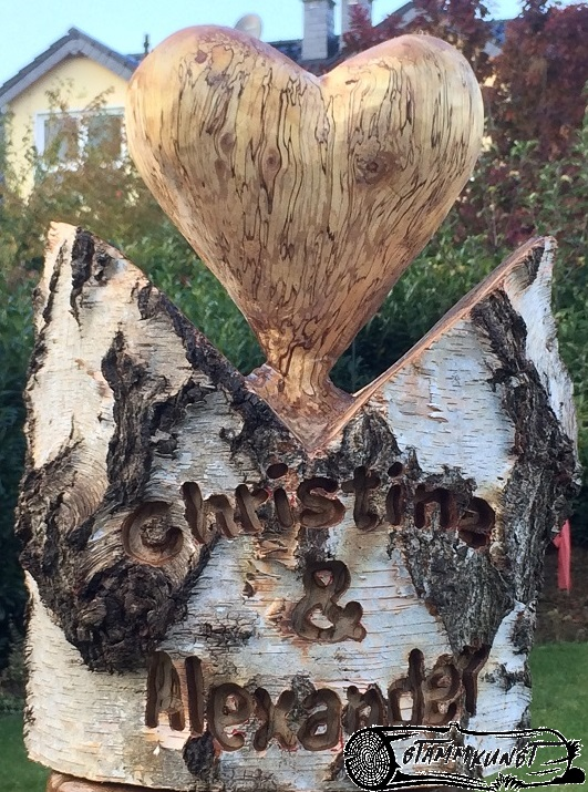 Schnitzen Mit Der Motorsage Woodcarving I Sweden Youtube 0